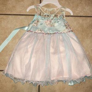 Gorgeous baby dress NWT